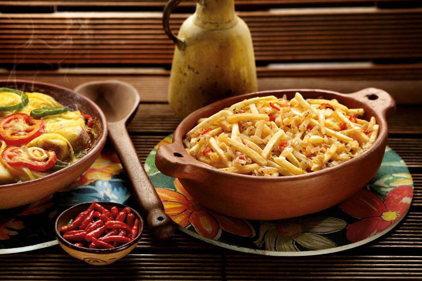 Batata McCain SureCrisp com Refogado de Cebola Pimenta e Ervas